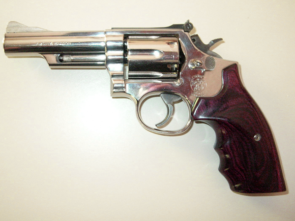 wheel-guns-revolvers-smith-wesson-model-19-sheriff-jim-wilson-LO
